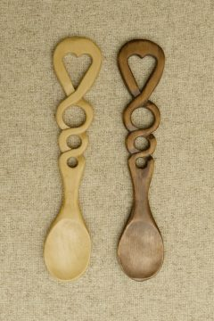Spoon-4-Open-heart-with-notched-stem